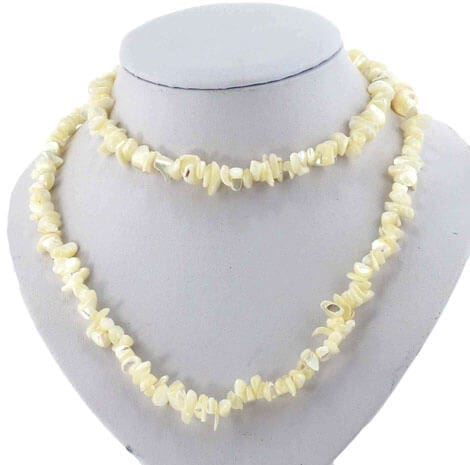 1253 pearl necklace