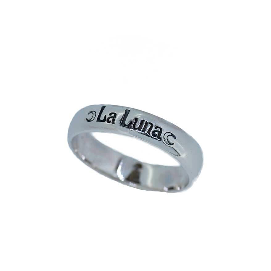 La Luna Engraved Band Ring